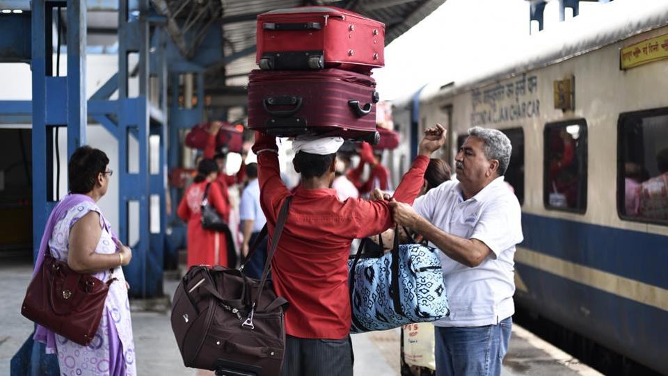 Indian Railways to charge 6 times more for extra luggage
